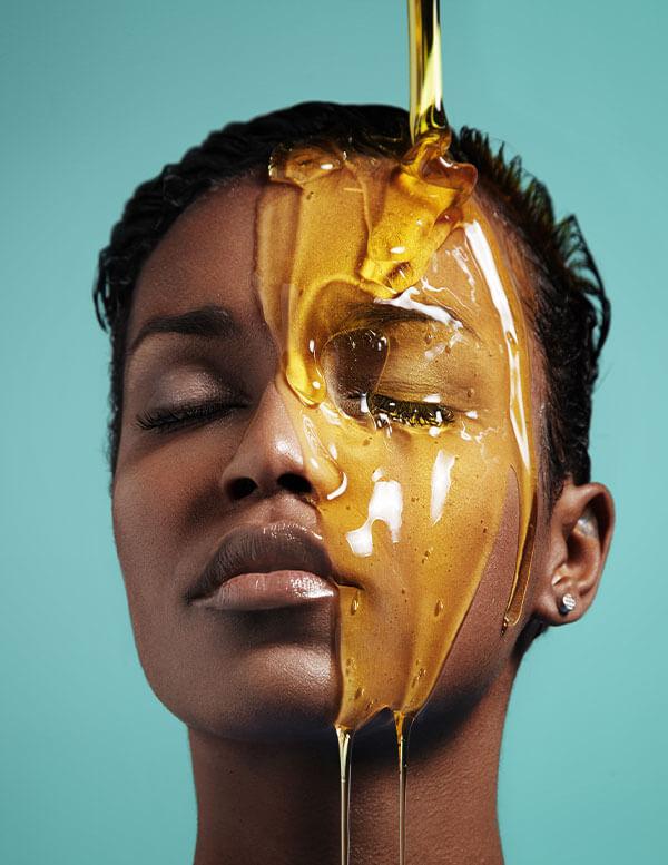 La miel puede ayudar a los procesos de cicatrización.